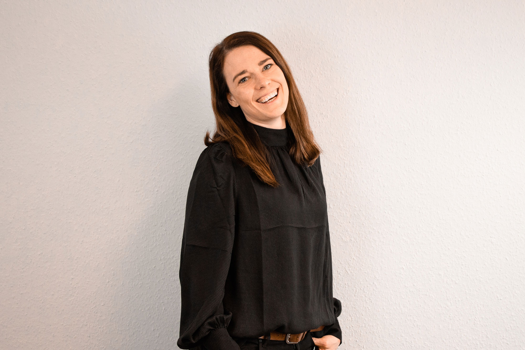 Mitarbeiterin Sarah Schmitz für den Bereich Marketing