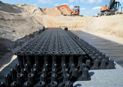 Einbau einer Versickerungsanlage mit Blockspeicherelementen