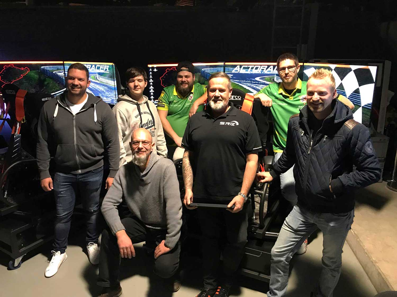 Team im SimRacing Center in Düsseldorf